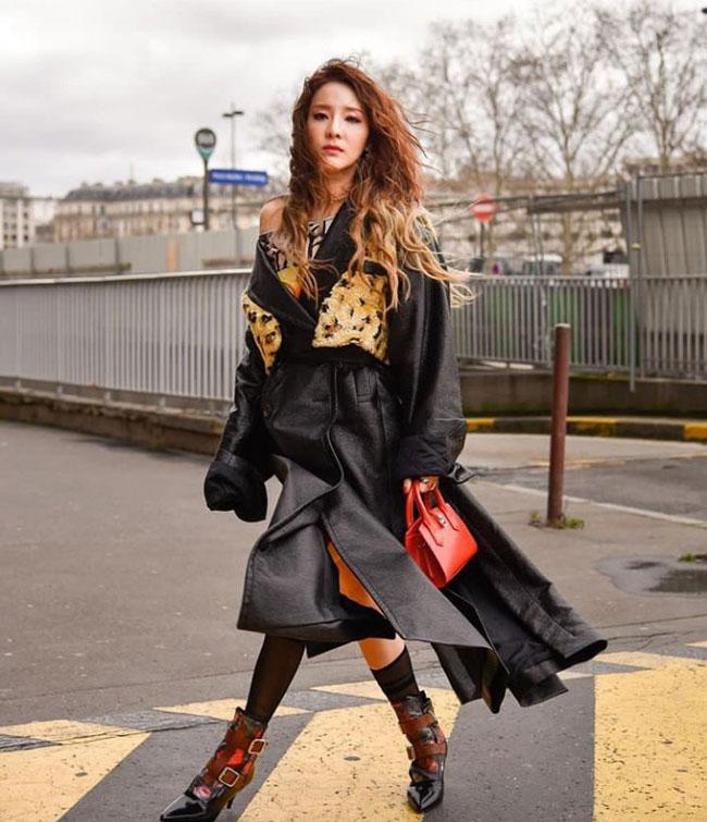 Sandara-Park-Paris-Fashion-Week-2019-Drama-Chronicles-09.jpg