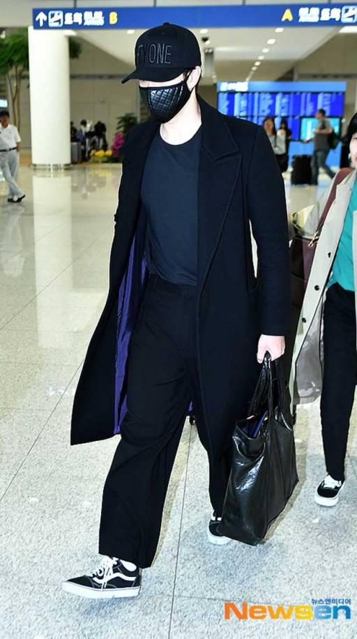 So-Ji-Sub-March-2019-Airport-Fashion-Drama-Chronicles-01