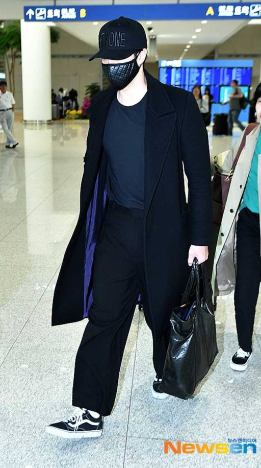 So-Ji-Sub-March-2019-Airport-Fashion-Drama-Chronicles-01