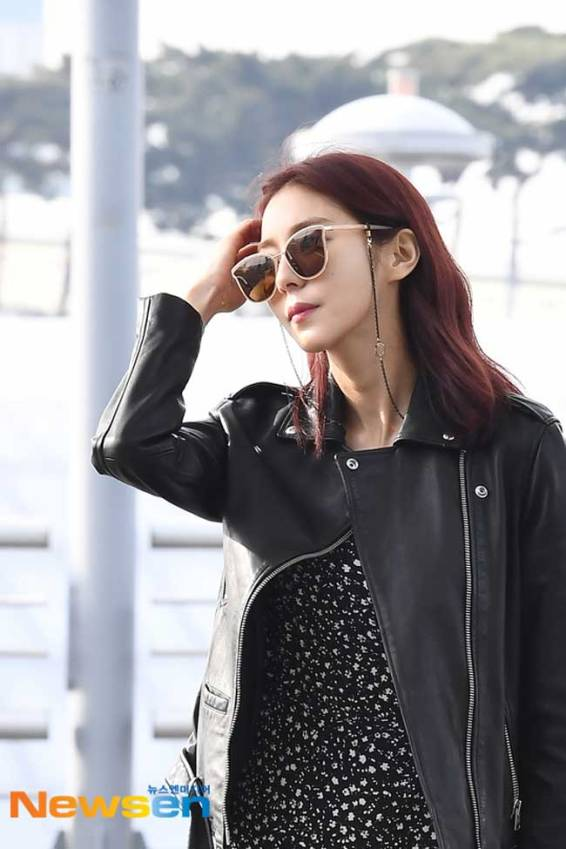 UEE--March-2019-Airport-Fashion-Drama-Chronicles-02
