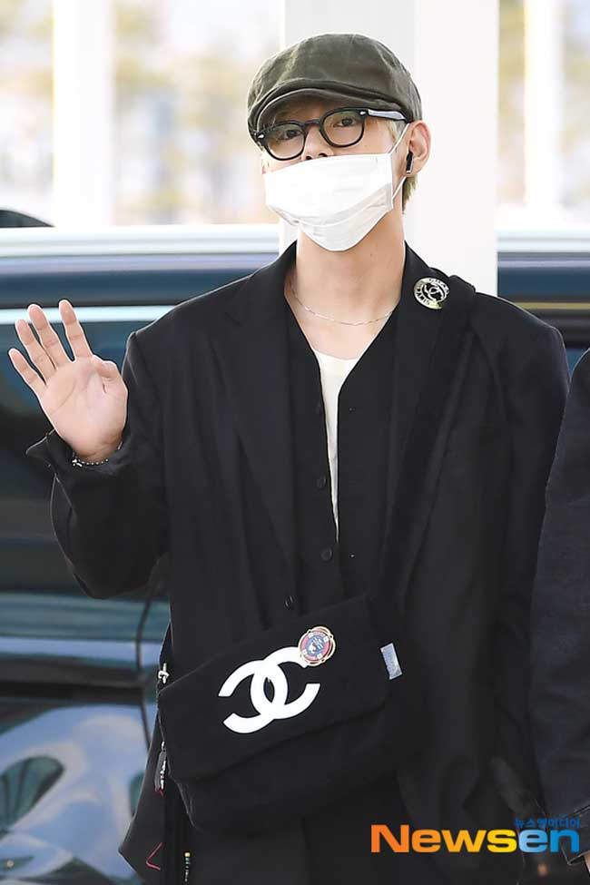 BTS-April-10-Airport-Fashion-Drama-Chronicles-06