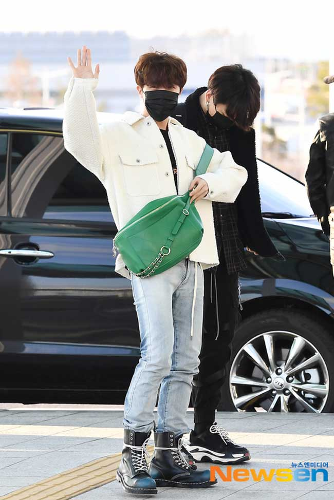 BTS-April-10-Airport-Fashion-Drama-Chronicles-24